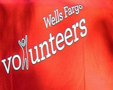 Wells Fargo Volunteers at Work